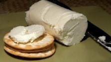 Kozí syr s pečenými jahodami
