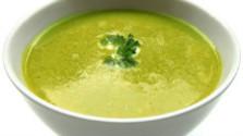 Hrachová polievka s údeným tofu
