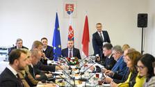 Les ministres poursuivent la série des sessions décentralisées sur deux jours