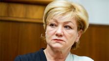 Ministra de Cultura aboga por la restauración del fondo patrimonial