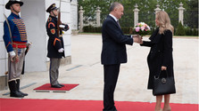 Встреча президента А. Киски и новоизбранного президента З. Чапутовой