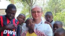 Rwandu stále prenasleduje krvavá minulosť
