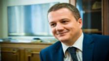 Rigó Konrád nem ért egyet tárcája nyilatkozatával
