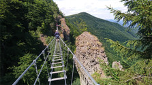 Zwischen Seilbrücke und Klettersteig in Skalka