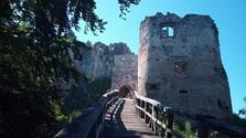 Uhrovecký hrad: Vom Zauber einer Burgruine