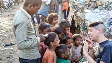 Omamy pomáhajú deťom v osadách