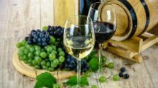 Karol Križanovič z Rače je vinár, ale venuje sa aj rezbárstvu