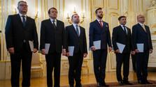 La presidenta nombra a los magistrados del Constitucional