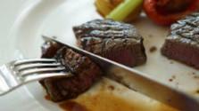 Šťavnatý steak so syrovou omáčkou
