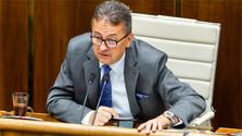 Вице - спикер парламента М. Глвач подал в отставку