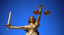 K veci: Disciplinárny senát pozastavil výkon funkcie druhému sudcovi