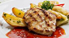 Kurací steak so zemiakmi a zeleninou