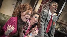 Divadelná recenzia: Revízor v Astorke Korzo ´90