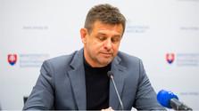 Démission du ministre de l'environnement L. Sólymos