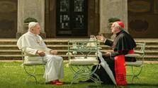 Dve filmové recenze: Dvaja pápeži