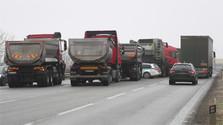 Правительство договорилось с бастующими автоперевозчиками