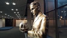 В галерее Словацкого радио установлен бюст Николы Теслы