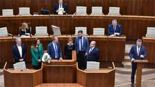 Empieza el debate de la sesión extraordinaria del Parlamento