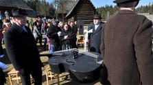 """Los Fašiangy se cierran con el """"entierro del contrabajo"""""""