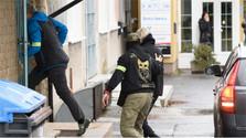 Agentes de la Agencia Nacional contra el Crimen detienen a varios jueces y fiscales eslovacos