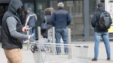 Retailer group: 40,000 redundancies if shops close on Sundays