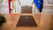 Diputados firman el acuerdo de coalición