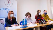 El ministro de Sanidad confirma primera muerte por COVID-19