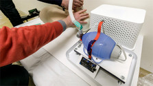 Jóvenes investigadores eslovacos desarrollan dispositivo de respiración artificial