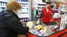 People spending less time in grocery shops, Google reports