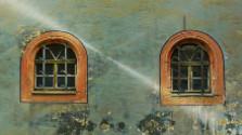 O oknách v histórii