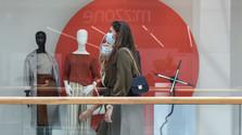 Около 80% согласны с закрытыми по воскресеньям магазинами