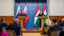 Foreign Minister in Budapest on Trianon Treaty