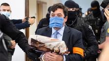 Pokračuje súd v kauze vraždy novinára a jeho snúbenice
