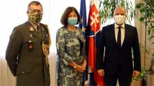 Verteidigungsminister traf Botschafterin Österreichs