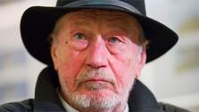 Star cameraman dies at 77