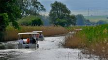 По глади «Батева канала» снова путешествуют туристы