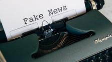 Ako sociálne siete bojujú proti dezinformáciám a falošným správam