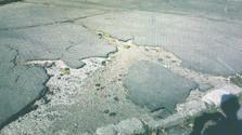 Poézia mesta: Peter Gärtner_Odtlačky v asfalte