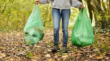 Ako minimalizovať plastový odpad na cintorínoch?