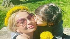 Marianna Ďurianová so synčekom.jpg