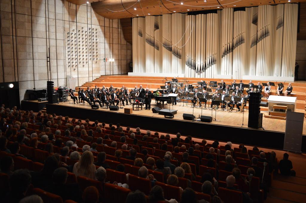 SRo pripravil koncert k okrúhlym narodeninám Pavla Zelenaya ... 86a7551dff