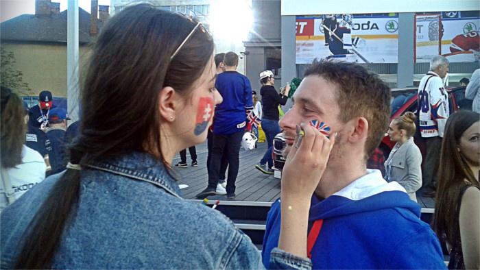 Briti_ice_hockey_british_fans_RSI.jpg