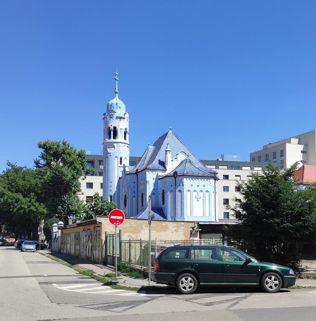 Kostol svätej Alžbety (Modrý kostolík), Bratislava