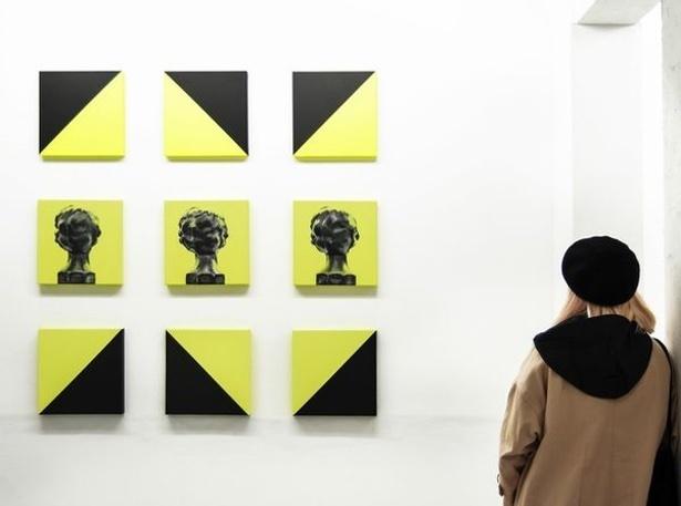 CO8 Carmen Gomes, 2017. Installation view at BERLIN BLUE art gallery, 2017.jpg