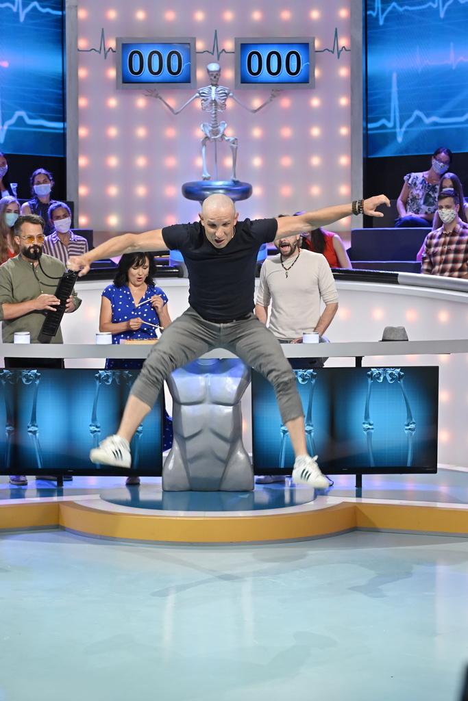 2020_ZÁHADY TELA_Marián Čekovský, Ľubica Čekovská, Ján Ďurovčík, Ján Slezák_foto RTVS Milan Krupčík (59).jpg