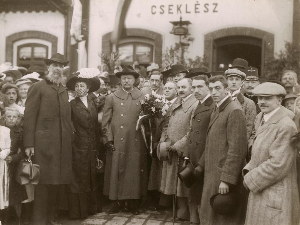 Roosevelt in Ceklis_source Magyar Nemzeti Muzeum.jpg