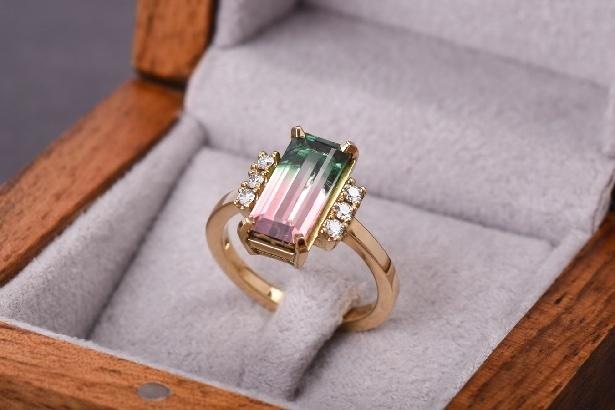 CO9 Primavera prsteň, 18kt zlato, brilianty a watermelon tourmalin.jpg