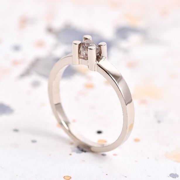 CO11 ROME, zásnubný prsteň so surovým diamantom.jpg