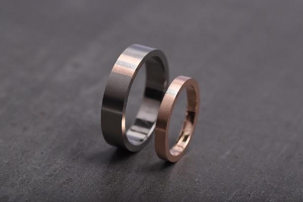 CO8 STRIP, obrúčky titan a ružové zlato.JPG