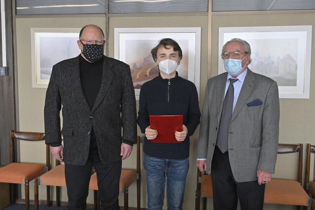 generálny riaditeľ RTVS Jaroslav Rezník, klavirista Ryan Martin Bradshaw a šéfdirigent Symfonického orchestra Slovenského rozhla